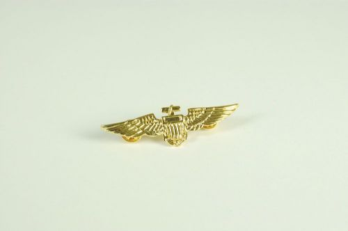 Aviator Pin Badge Metal / Gold Colour for Pilot Crew Airline Air Fancy Dress